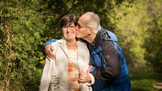 grandparents-2198053_640