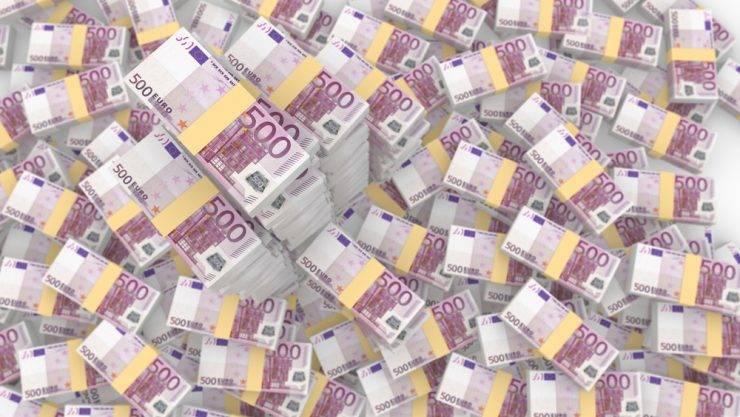 Lani FURS pobral za dobrih 954 milijonov evrov več prihodkov kot predlani